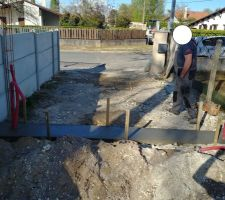 Travaux Portail: on coule