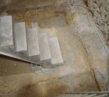 Reprise du seuil de l'escalier.