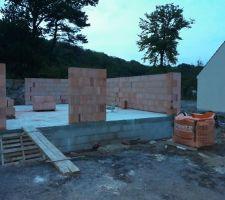 Premier jour de montage de mur