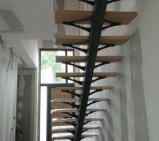 L'arête de notre escalier métal et bois de chêne clair huilé