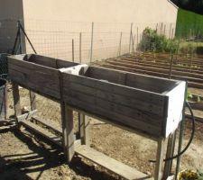 Fabrication maison de jardinière pour les fraisiers