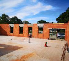 Elévation des murs : linteaux
