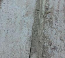 Escalier extérieur mal fait et mal réparé