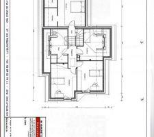 Avec un peu de retard, les plans de notre maison. Vous y voyez le demi-niveau, correspondant à notre chambre  et l'étage !