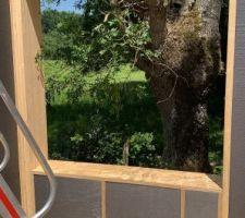 Montage popup house en cours. Bloc de polystyrène + bois. salle de bain