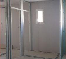 SDB et toilettes de l'étage vus de notre chambre