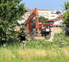 Démolition du mur pour accès au chantier