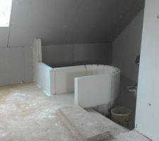 La niche de l'entrée côté palier de l'étage