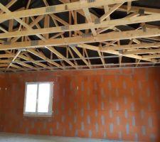 Début de la structure métallique du plafond