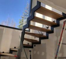 Escalier Plasse métal et chêne posé