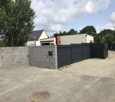 Construction muret et pose de claustra pour l'entrée !