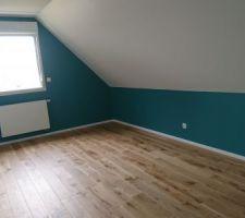 Parquet et plinthes posés (chambre 2)