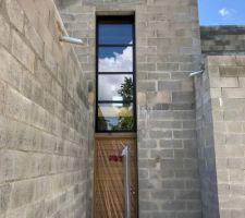 Fenêtre verticale