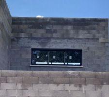 Fenêtre façade nord - vide sur séjour