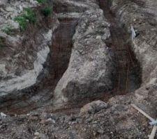 Tranchées fondations muret de soutènement terrasse