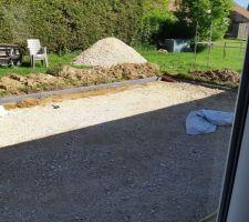 Préparation terrassé fondation pour bordures