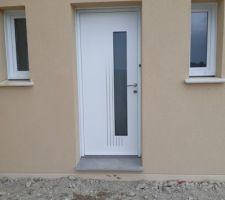 Voici la porte extérieure sans protection =)