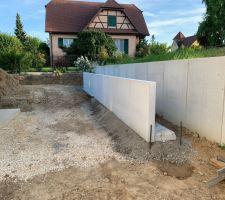 Mise en place des murs de soutènement - bac à 'plante'