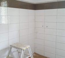 Salle de bain du bas couleur taupe