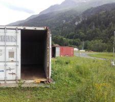 Container 1 vide, prêt à partir.