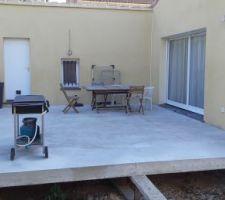 Début d'aménagement de la terrasse :)
