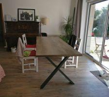 Nouvelle table a manger, reste plus qu'a trouvé des chaise