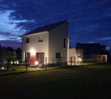 Mes extérieurs by night! Appliques murales + potelets + boule led+ spot led solaires (bambous et olivier)