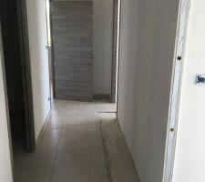 Carrelage couloir étage