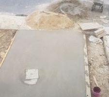 Coulée de béton accès maison