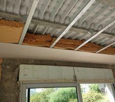Rupteurs de ponts thermiques fibre de bois semi rigide 2X16 cm autour du plafond du RDC