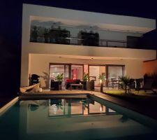 Vue piscine et terrasse