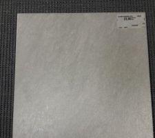Sol gris pour le cellier - 33x33