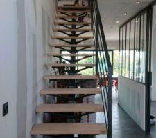 Escalier métal avec marches en chêne huilé