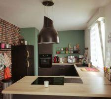 Cuisine de chez cuisinella dans un style industriel