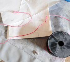 Ficelle + papier petit carreau + pince coupante + craie = mètre ruban :)