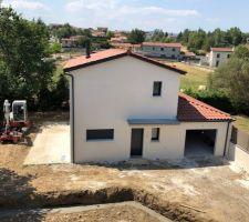 Maison vue du toit du voisin
