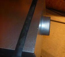 Fixation caissons de répartition avec bande résiliente
