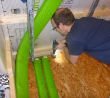 Perçage de murs pour passage de gaines VMC
