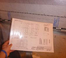 Plan de mur pour passage des tuyaux d'entrée et sortie d'air