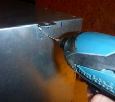 Fixation pâtes sur caissons de répartition