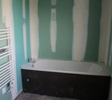 """- Visite de pré-réception -  Salle de bain étage (baignoire comprise dans le contrat """"gamme Confort"""")"""
