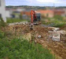 Destruction des anciennes fondations et du VS laissé par l'ancien constructeur