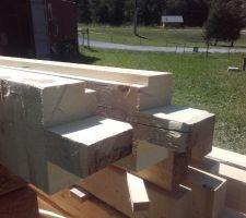 Le (bon) boulot des charpentiers : les poteaux extérieurs