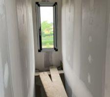 Bandes + joints cage d?escalier
