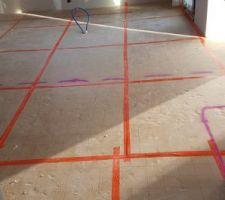 Couche de ravoirage sable et pose du TMS au sol : 100mm au rdc et 70mm a l'étage.