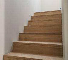 Habillage chêne pour l'escalier