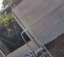 Muret en cours de construction