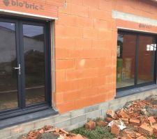 Porte fenêtre et ouverture de 3m en galandage   Couleur: ral7016 noir