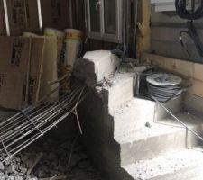Destruction de l?escalier béton