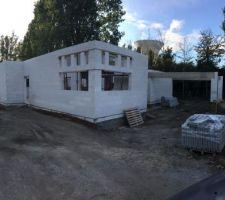 Prêt pour les dalles béton de la toiture terrasse